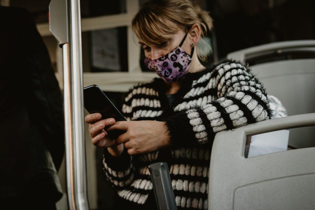 Estados Unidos: no utilizar mascarilla en transporte público será una violación a la ley federal