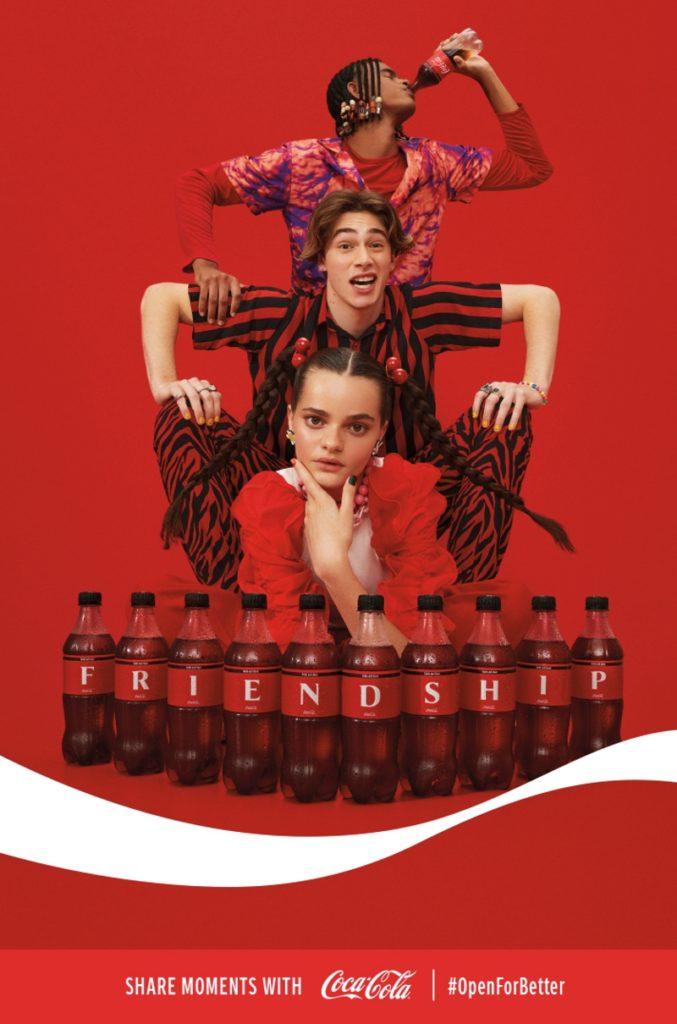 Coca-Cola lanzará una colección de latas y botellas con las letras del abecedario y estará disponible en países de Latinoamérica