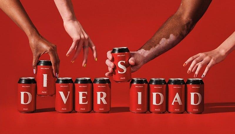 imagen Coca-Cola Coca Cola lanzara una coleccion de latas y botellas con las letras del abecedario y estara disponible en paises de Latinoamerica 2