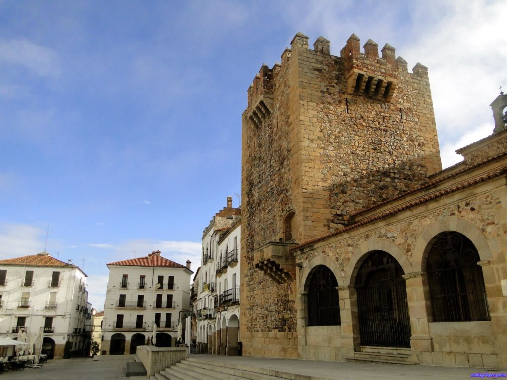 imagen 24 horas en Cáceres 49518078572 1e7290fc25 k 1