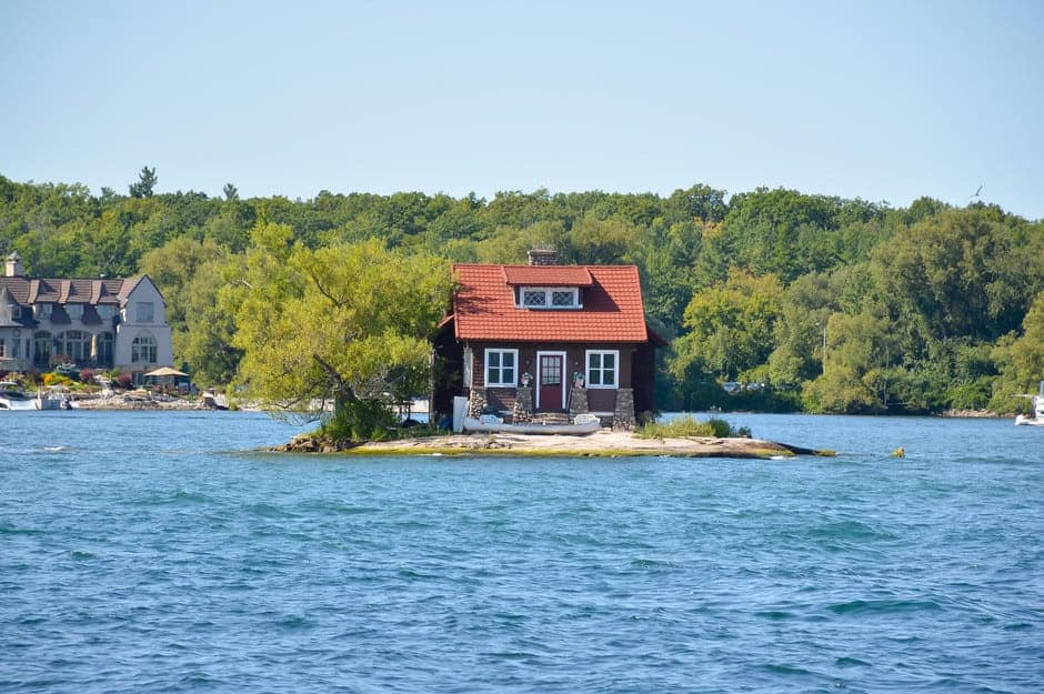 Esta isla habitada es considerada como 'la más pequeña del mundo' pero tiene lo suficiente y necesario para un verdadero cambio de vida