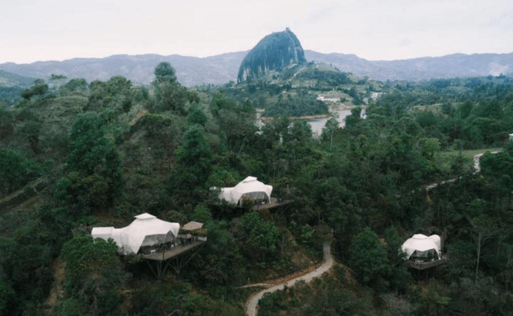 Imagen Viajeros Para Alojarse En Los Mejores Eco-Resorts De Latinoamérica Sortean Estadia En Insolitos Mush Rooms Para Descubrir El Ha%Cc%81Bitat Nativo De Guatape En Colombia
