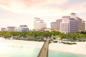Este resort de Las Bahamas ofrecerá la opción de llevarte a tu casa en un jet privado si tu prueba de COVID-19 da positivo