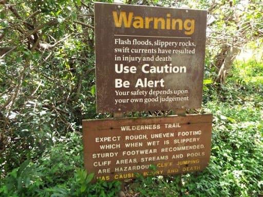 Es posible que las personas que se pierdan en Hawái por no respetar las advertencias tengan que pagar por su propio rescate