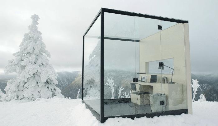 Esta marca de cerveza monta una oficina en lo alto de una montaña nevada para disfrutar del trabajo remoto y busca 5 personas para vivir la experiencia