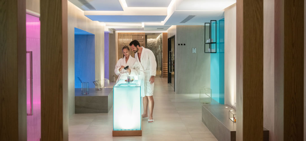 Este hotel de lujo griego se suma al boom por la astrología y ofrece tratamientos de spa según cada signo del zodíaco