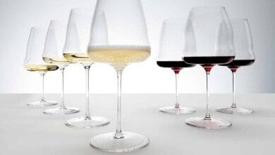 Diseñan copas de vino inspiradas en las alas de un avión y podrían ser un antes y un después 2