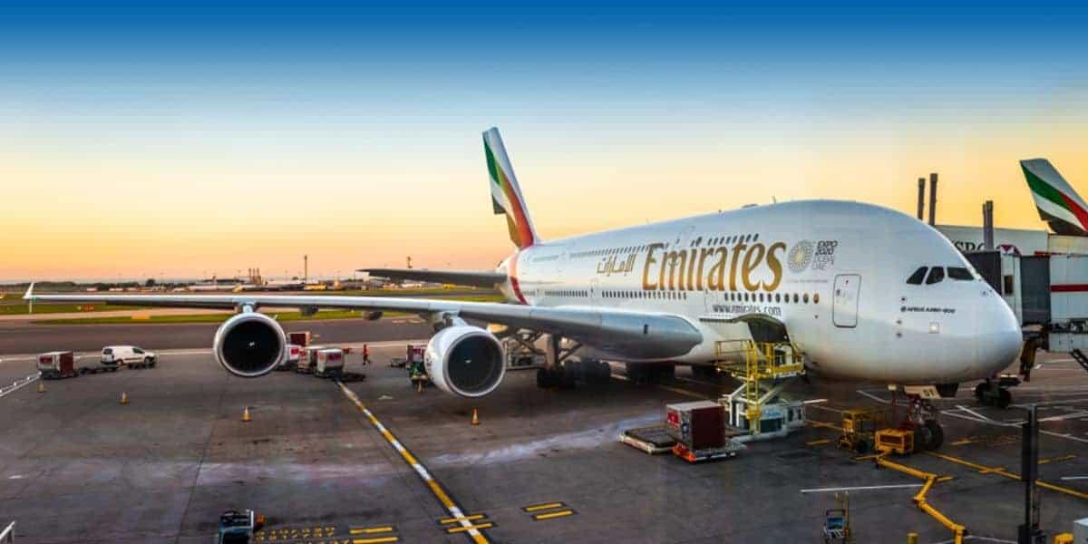 La aerolínea Emirates permite que los pasajeros paguen por los asientos contiguos vacíos para mayor privacidad