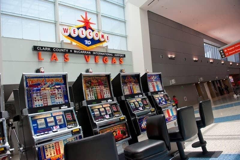 Una Turista Ganó Más De Usd$300.000 En Una De Las Máquinas Tragamonedas Del Aeropuerto De Las Vegas
