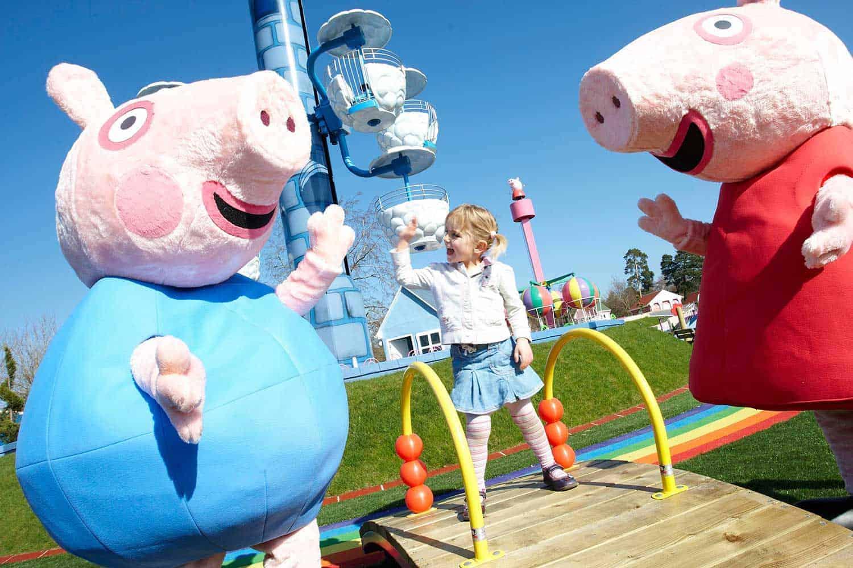 Paultons-Park-Peppa-Pig-World-girl