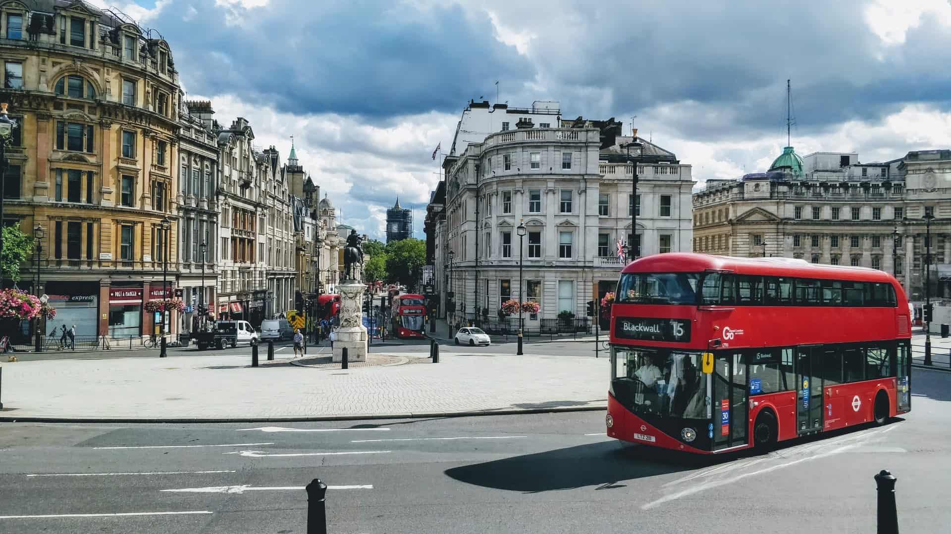 Inglaterra lanzó una declaración de viaje obligatoria para las personas que viajen al extranjero