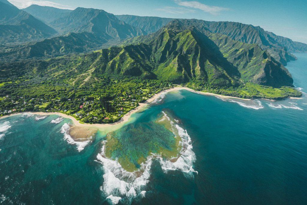 Las personas que visiten Kauai podrán evitar la cuarentena a partir del próximo mes presentando un test de COVID-19
