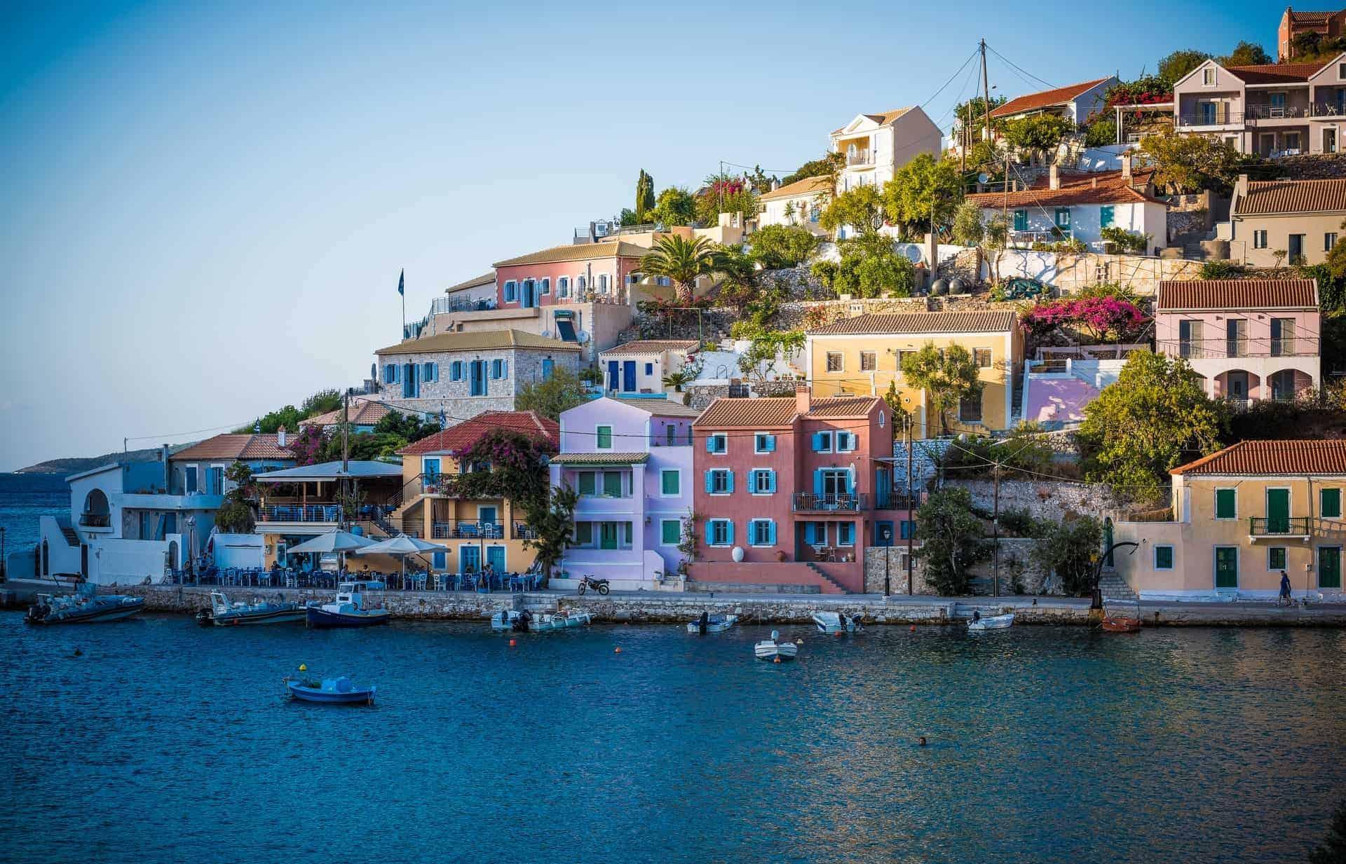 Grecia se prepara para recibir turistas vacunados contra el COVID-19 a partir del mes de Mayo