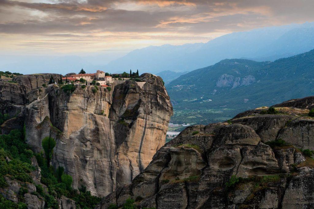 Imagen Destinos Del Mundo Para Escalar En Roca Jason Blackeye Nk3Yzs10Blu Unsplash 1
