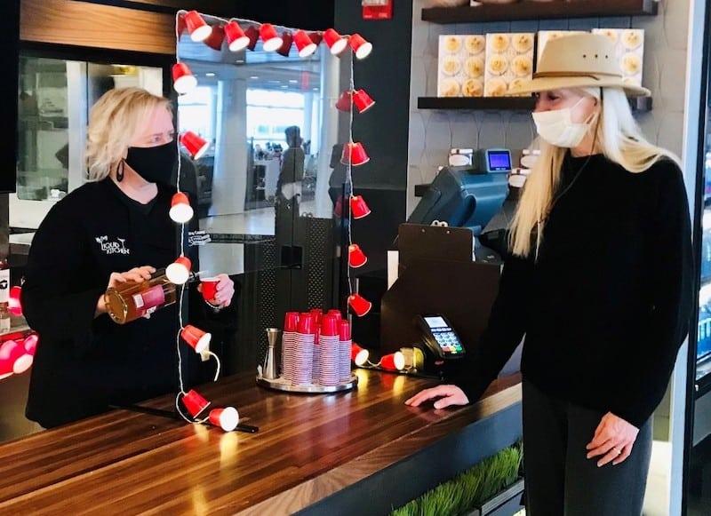 El aeropuerto internacional de Seattle será el primero Estados Unidos en contar con un bar de shots