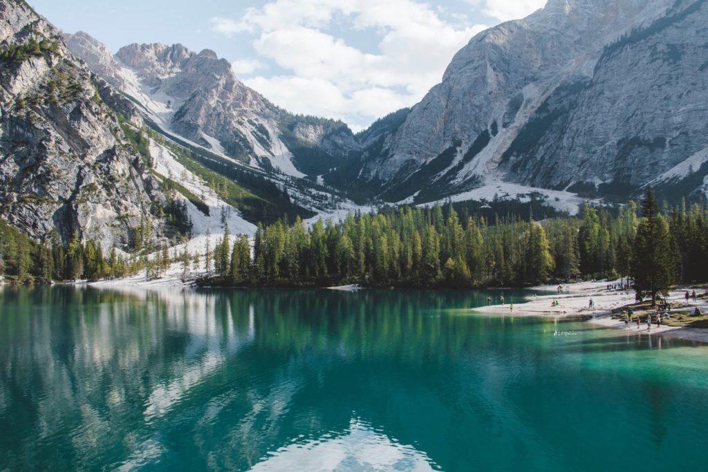 Lago Braies sara groblechner K0JrRtrAO80 unsplash 1