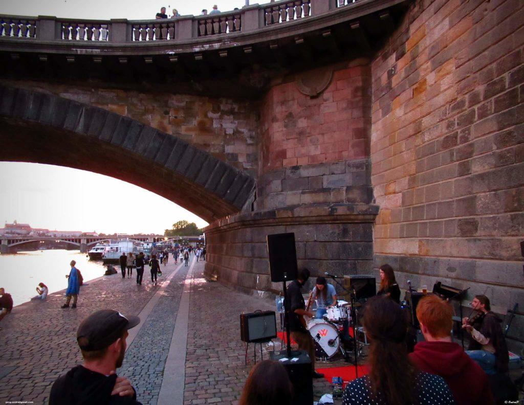 sitios alternativos que visitar en Praga 37171329661 e3c0ac0cfb k 1