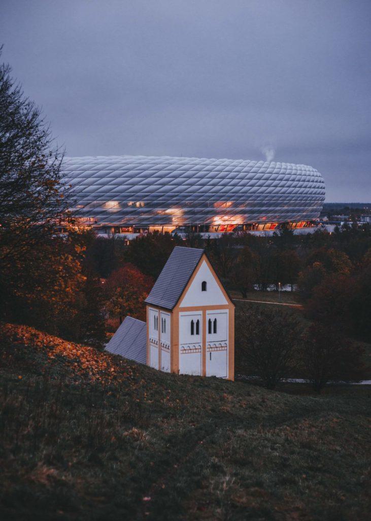 estadios de fútbol más famosos del mundo herr bohn LurDpOcRpkk unsplash 1