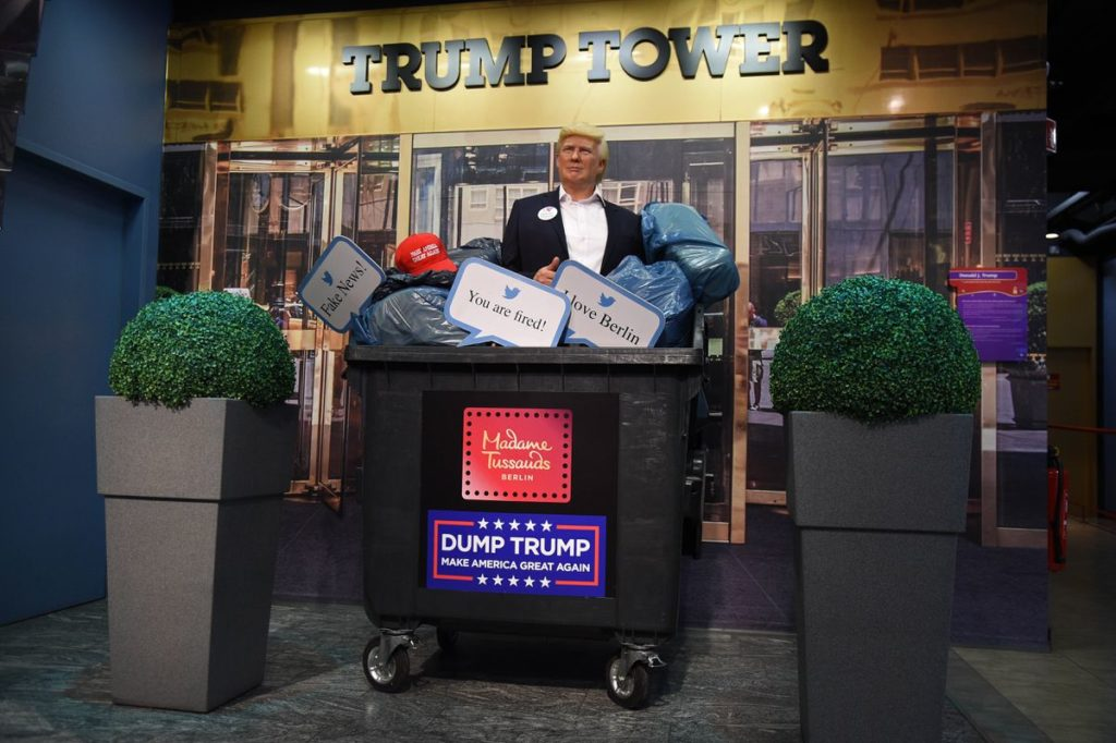Un Museo De Cera De Estados Unidos Decidió Quitar La Estatua De Donald Trump Porque Las Personas Continuaban Pegándole