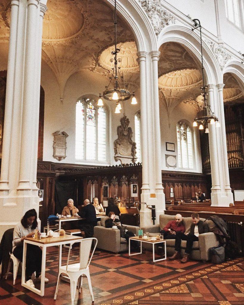 Cómo llegar a Host Café host cafe church seats