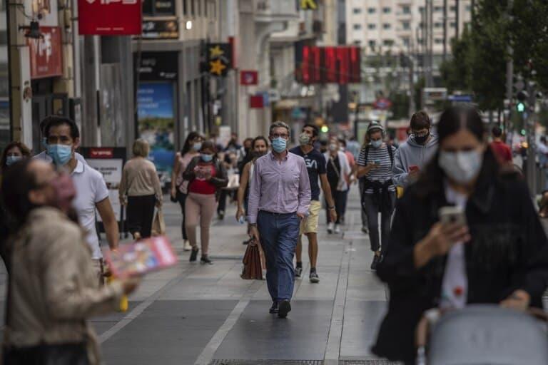 España reducirá a seis meses el plazo de homologación de títulos universitarios para los migrantes extranjeros