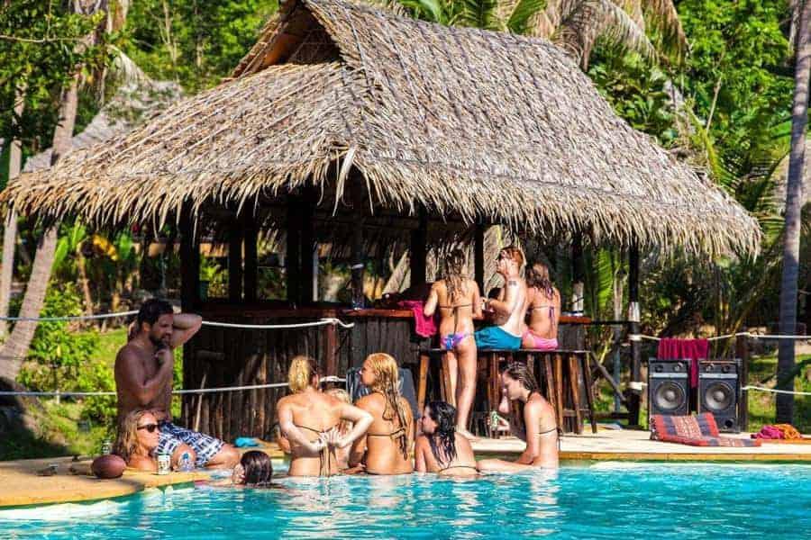 Pool Side Bar Shiralea Backpackers Hostel
