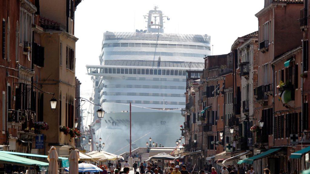 Imagen Venecia Skynews Venice Divina Cruise Ship 4150752