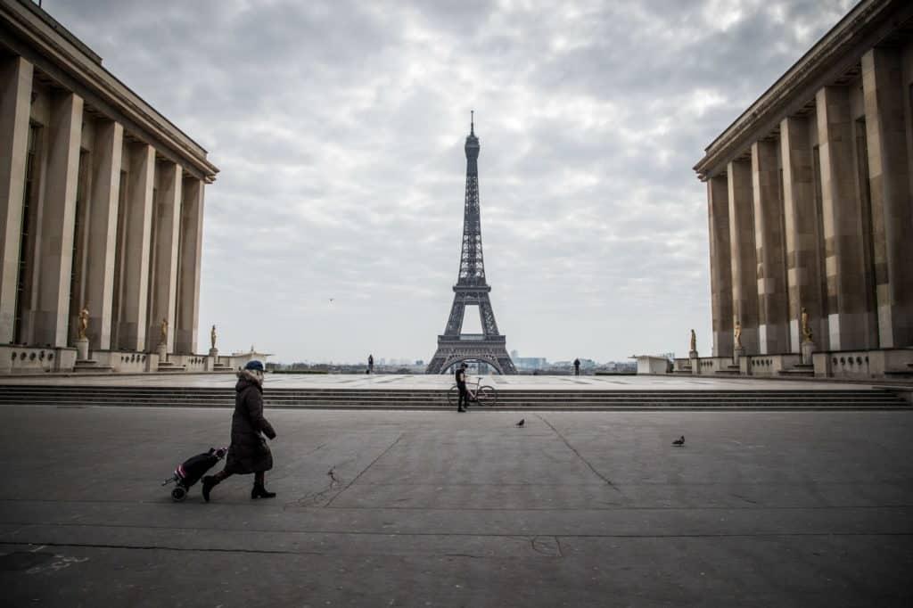 Francia Extiende El Confinamiento A Todo El País Y Las Personas No Podrán Alejarse A Más De 10 Kilómetros De Su Residencia