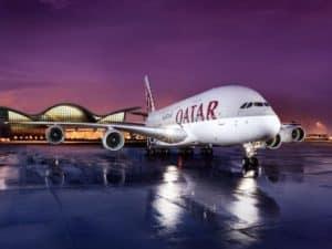 La aerolínea Qatar Airways tuvo su primer vuelo con todas las personas a bordo vacunadas contra el COVID-19