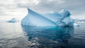 Nuevo estudio reveló que un tercio de la plataforma de hielo de la Antártida puede estar al borde del colapso