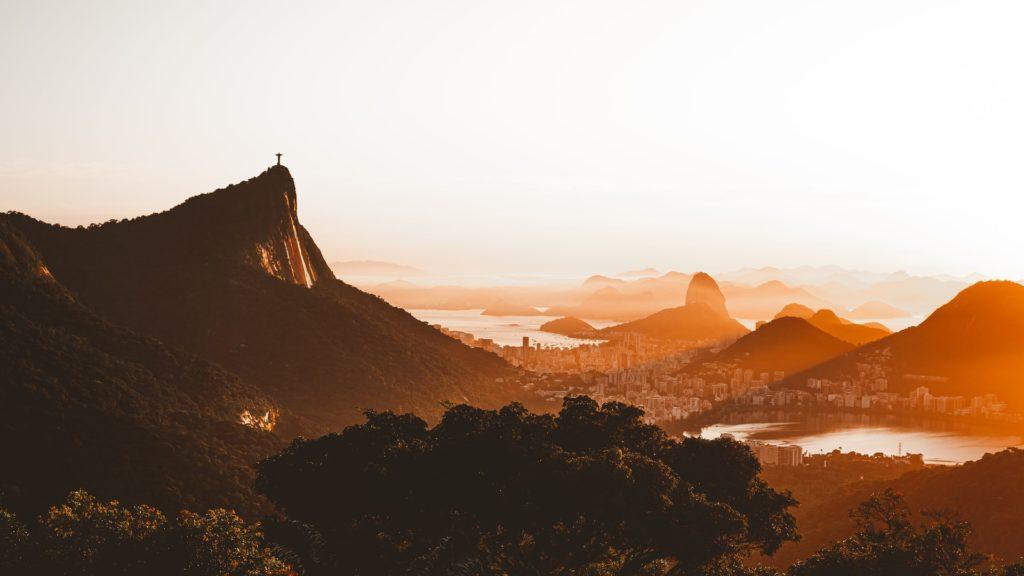Rio De Janeiro Volvió A Abrir Sus Bares Pero Las Playas Continúan Cerradas