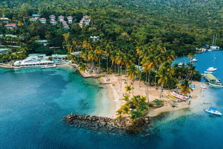 La isla Santa Lucía lanzó un nuevo programa que permite a turistas y trabajadores remotos quedarse por hasta 6 semanas