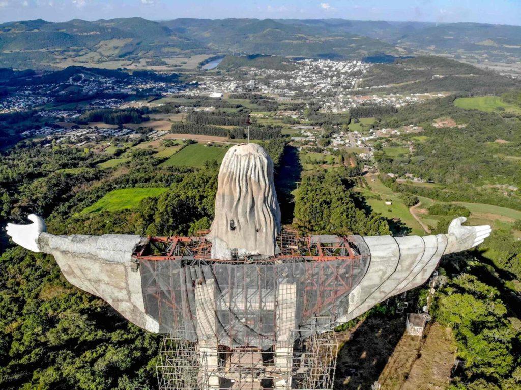 Brasil Construye El Protector, Una Nueva Estatua De Cristo Que Será Más Alta Que El Redentor Y Estará Situada En La Ciudad De Encantado