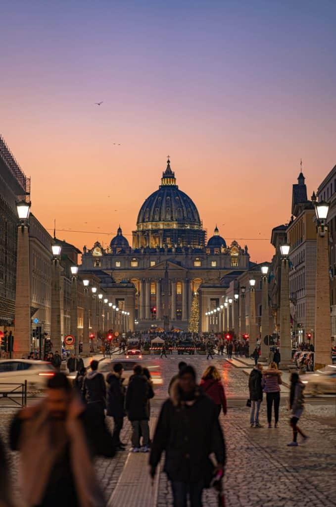imagen visitar la Ciudad del Vaticano alberico bartoccini Y667Q584o E unsplash 1