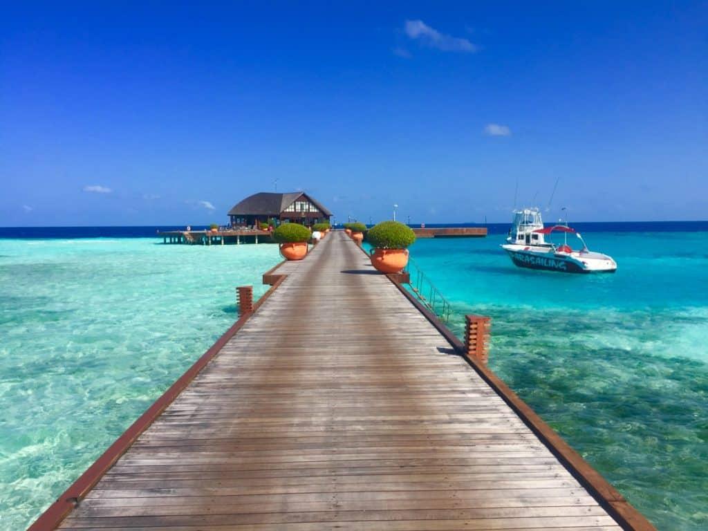 Maldivas planea vacunar contra el COVID-19 a las personas que vayan de vacaciones en un intento de impulsar el turismo