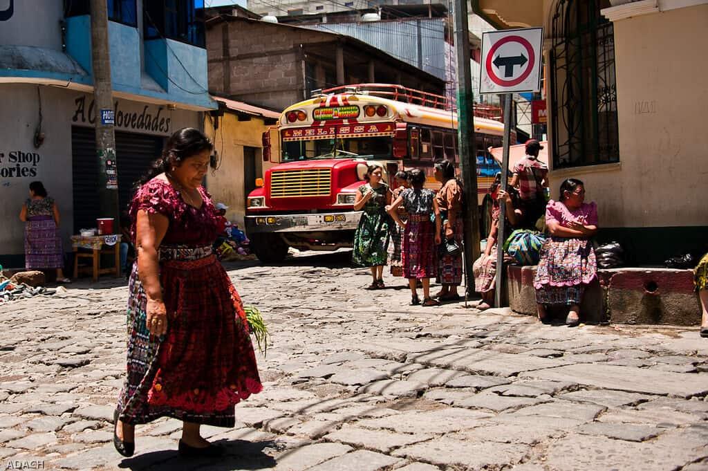 imagen Lago Atitlán 14325798079 021b390b7e b 1