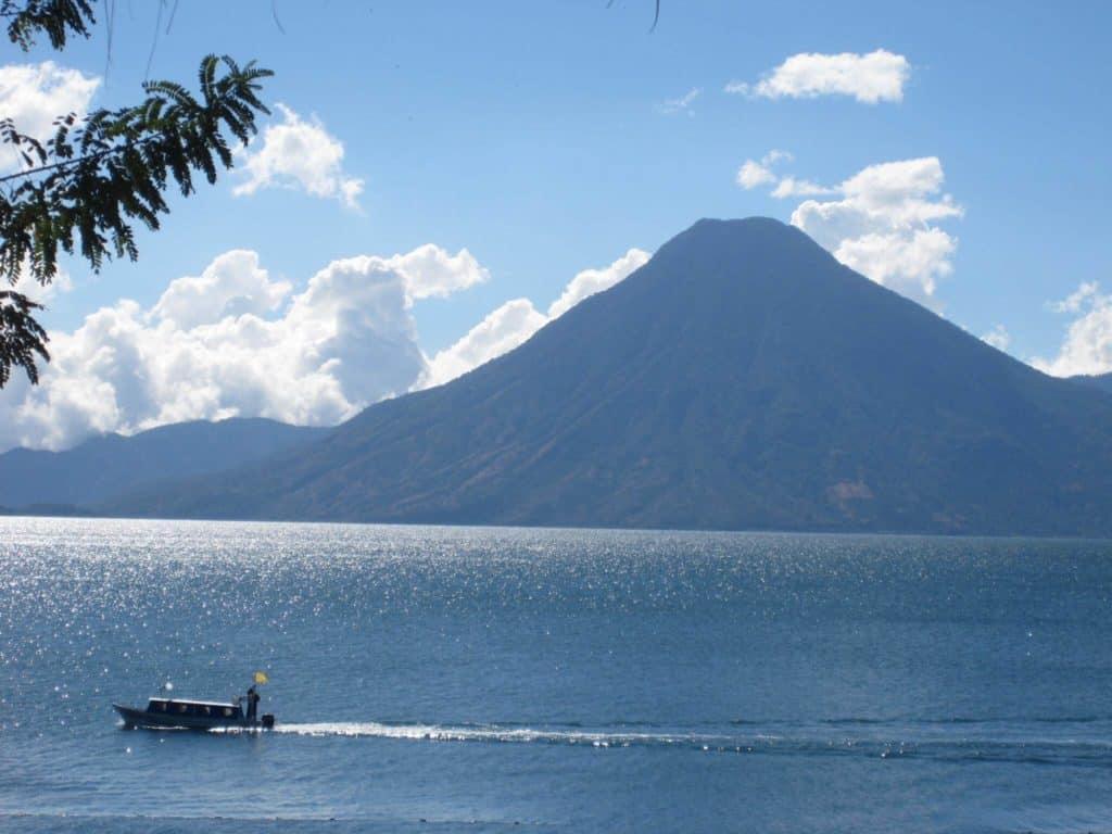 imagen Lago Atitlán 5547400751 5bf5ef043a k 1