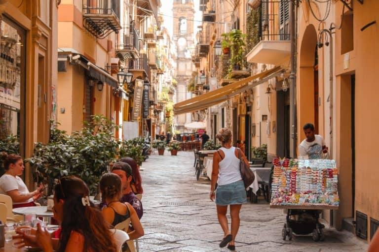 """Reapertura al turismo en Italia sería posible a partir de mediados de mayo: autoridades trabajan en el lanzamiento de un """"pase verde nacional"""""""