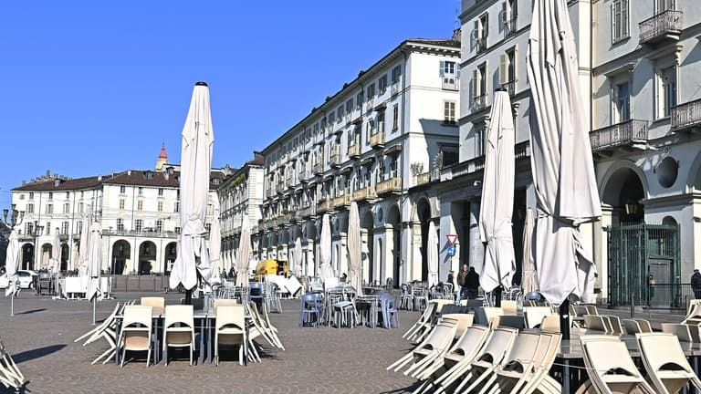 Italia comenzará a levantar algunas restricciones para finales de Abril