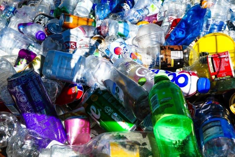 Nuevo estudio revela que los microplásticos circulan en el aire que respiramos