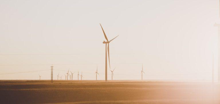 Estados Unidos se compromete a reducir las emisiones de efecto invernadero en un 50% para el año 2030