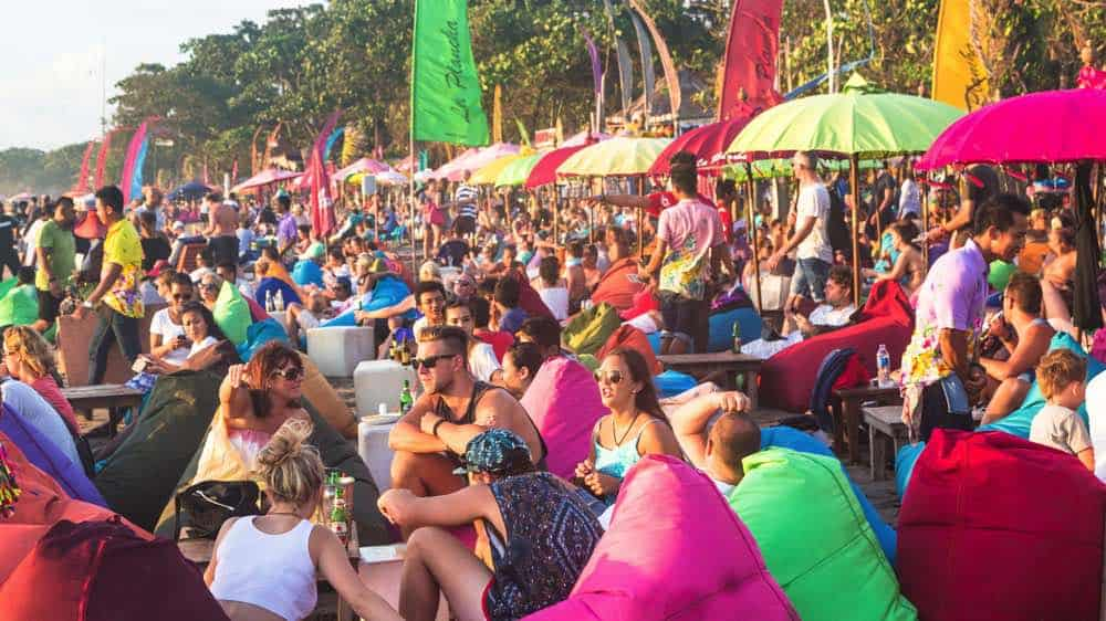 Fiestas En La Playa Del Mundo