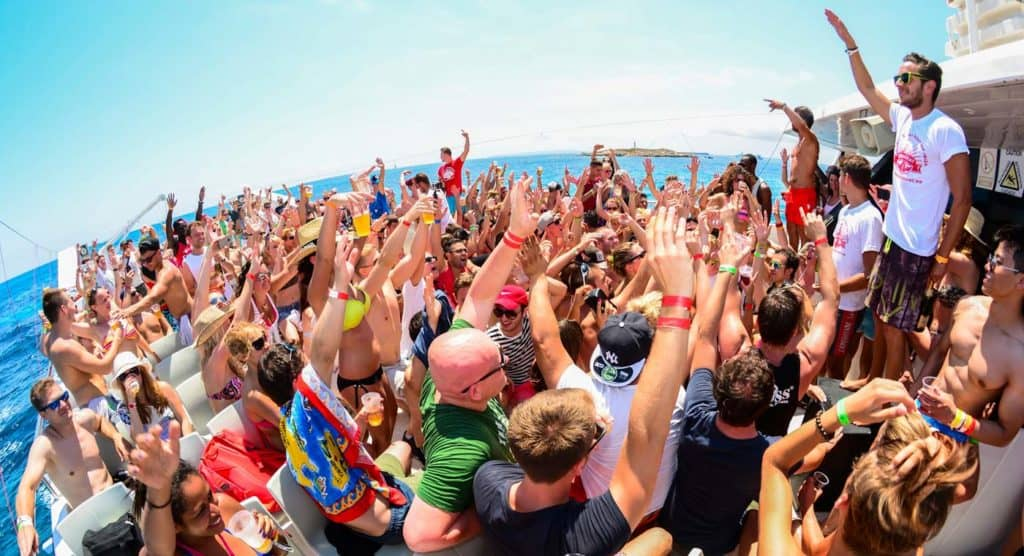 imagen fiestas en la playa del mundo all inclusive oceanbeat ibiza boat party 1