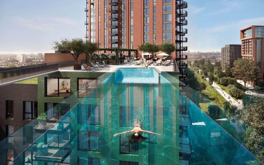 primera piscina flotante