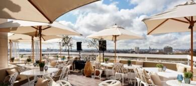 Un histórico hotel de Londres cumple 90 años y lo celebra con un nuevo bar en su azotea que ofrece una vista increíble