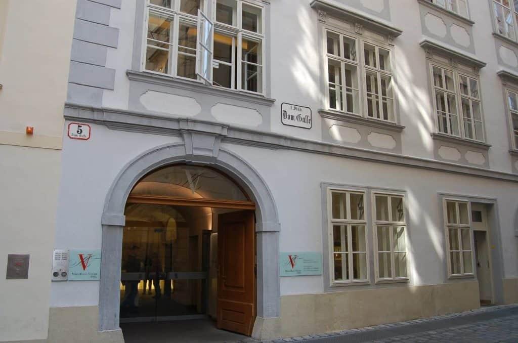 imagen Mozart por Europa 288701433 821bfb47da h 1