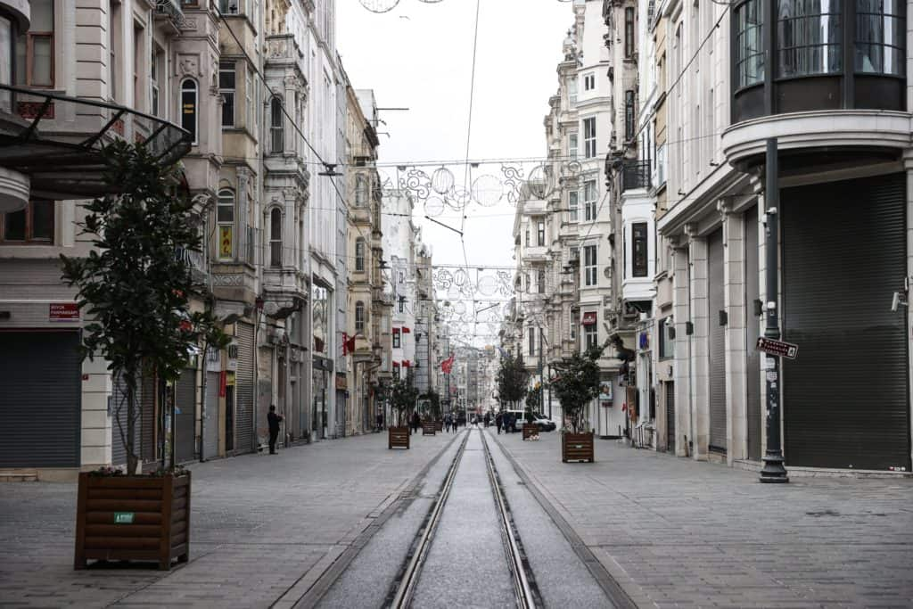 Turquía Comienza Su Confinamiento Más Estricto Desde Que Comenzó La Pandemia Por Covid-19