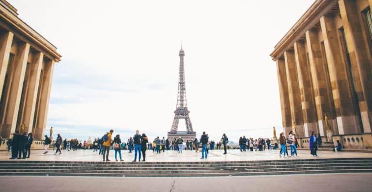 Francia anunció un plan de 4 fases para retomar las actividades luego del confinamiento