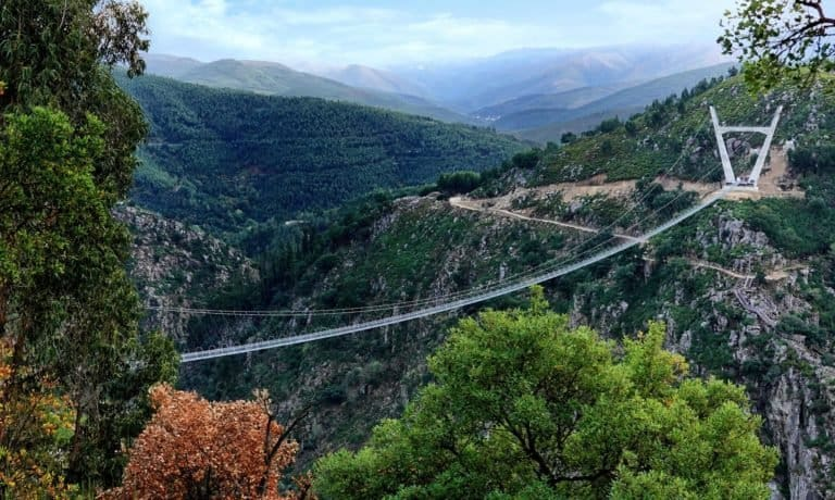 puente colgante peatonal más largo del mundo