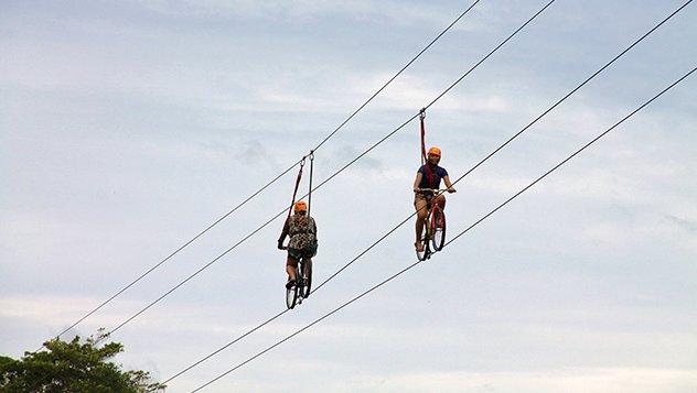 imagen Qué es la tirolina en bicicleta OK LP 71 1. El Bike Zip de Bohol en Filipinas. Foto Marino Holgado